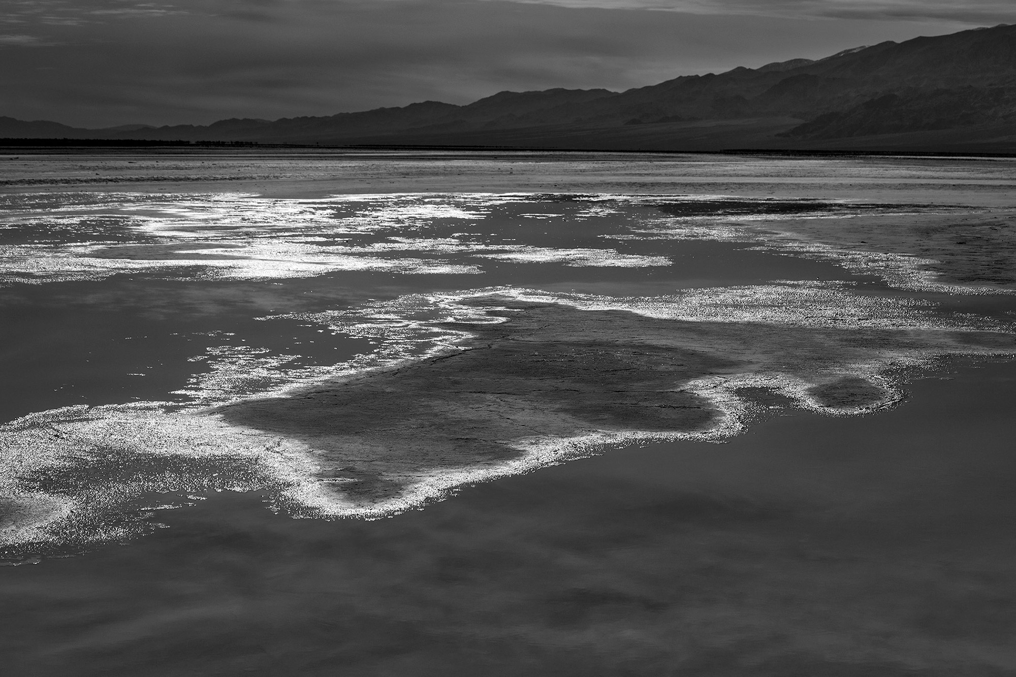 Black and White landscapes of Death Valley-Shimmering